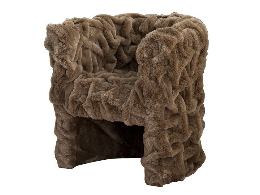 Fake fur easy chair with armrests SHAR PEI by Chaarme