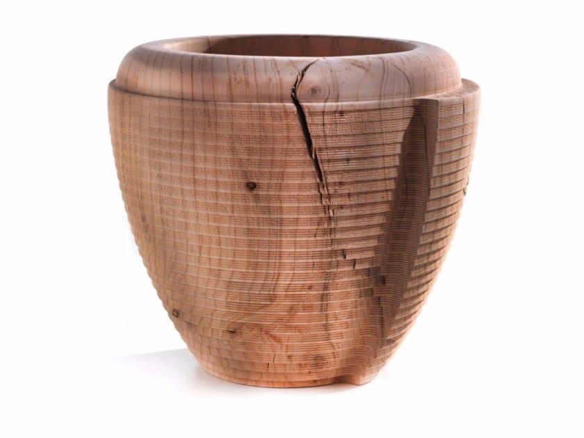 Cedarwood vase SHELL - Riva 1920