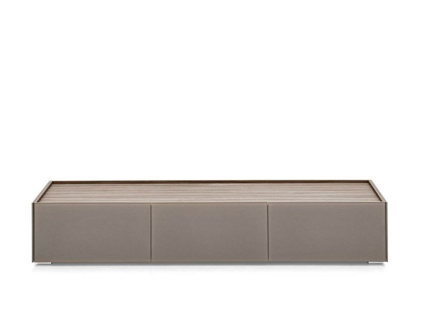 Shelter mobile tv by calligaris design studio 28 for Mobile basso design