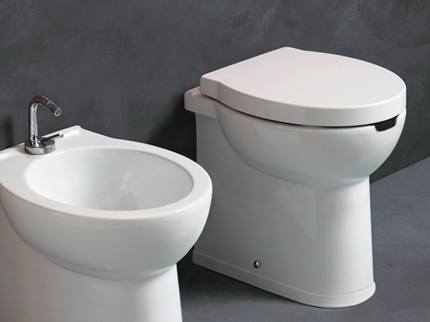 Ceramic toilet SHORT H50 OPEN | Toilet by Alice Ceramica
