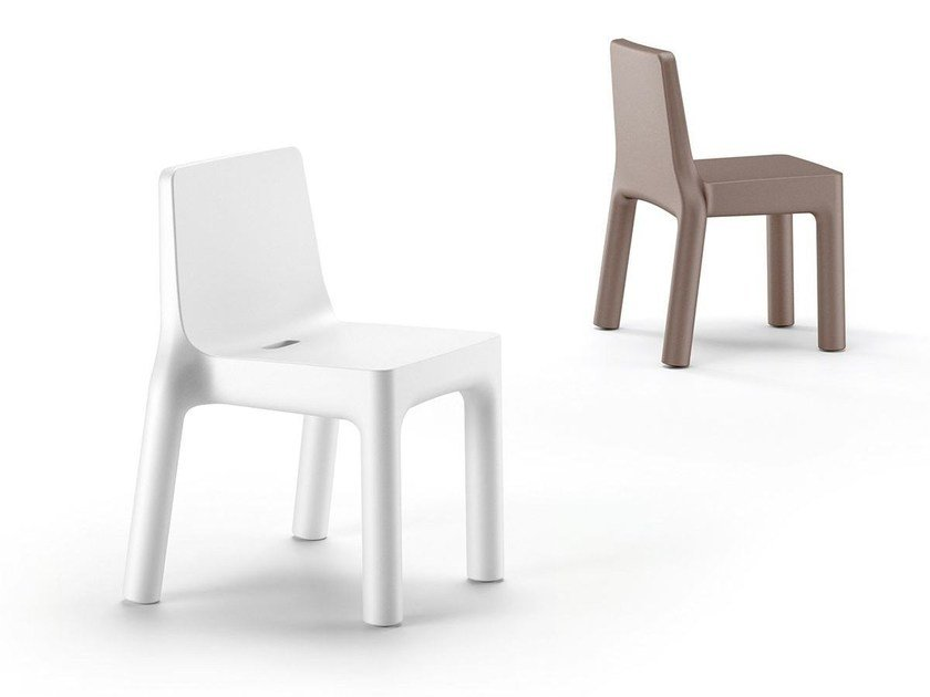 Stackable polyethylene chair SIMPLE CHAIR by Plust