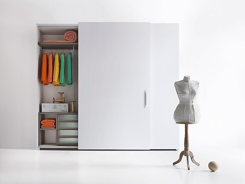 Wardrobe with coplanar doors custom SIMPLE - Lema