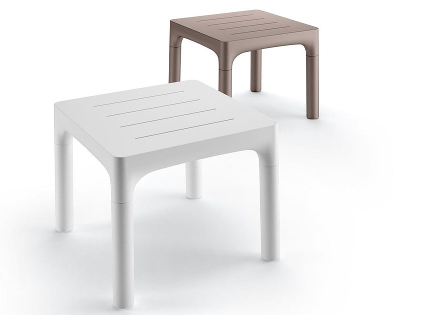 Square polyethylene table SIMPLE TABLE by Plust