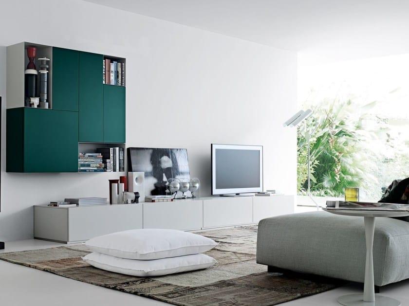 Parete attrezzata componibile laccata con porta tv sintesi for Rivestimenti metallici orizzontali