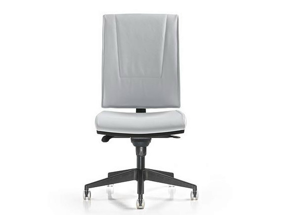 Task chair with 5-Spoke base with casters SMART | Task chair by D.M.