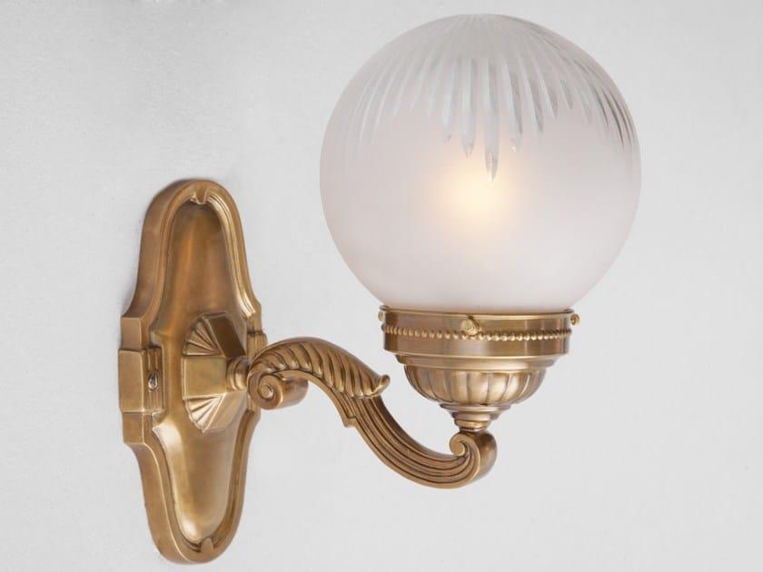 Direct light handmade brass wall lamp SOLO B XI - Patinas Lighting