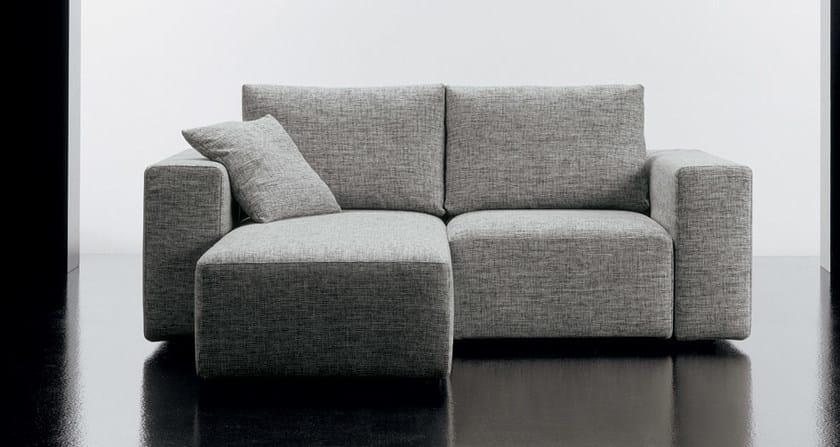 divano in tessuto a 2 posti square divano con chaise longue diemme. Black Bedroom Furniture Sets. Home Design Ideas