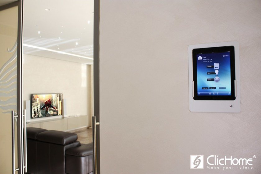 Wall mount for tablet Wall mount by Domotica ClicHome