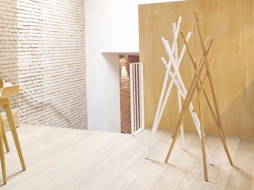 Wooden coat stand STICKS - Schönbuch