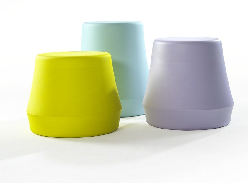 Polyethylene pouf / coffee table STUMP | Polyethylene coffee table by Derlot Editions