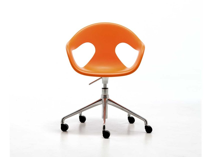 Task chair with 5-Spoke base with casters SUNNY PLASTIC HO | Height-adjustable task chair by arrmet
