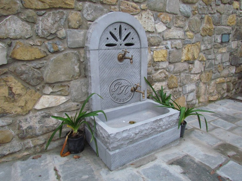 Natural stone Drinking fountain Small fountain 1 - Garden House Lazzerini