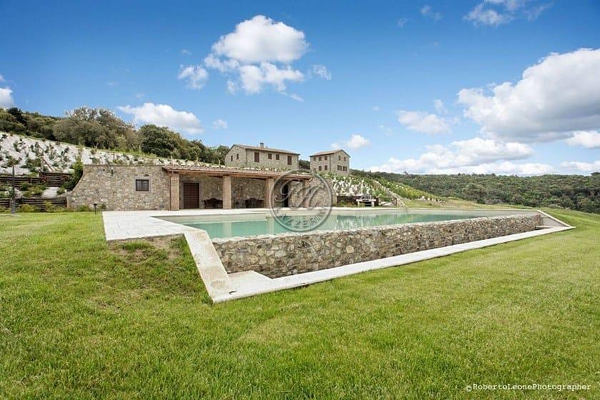 Piscina interrata in pietra naturale piscina 1 gh lazzerini - Piscine in pietra ...