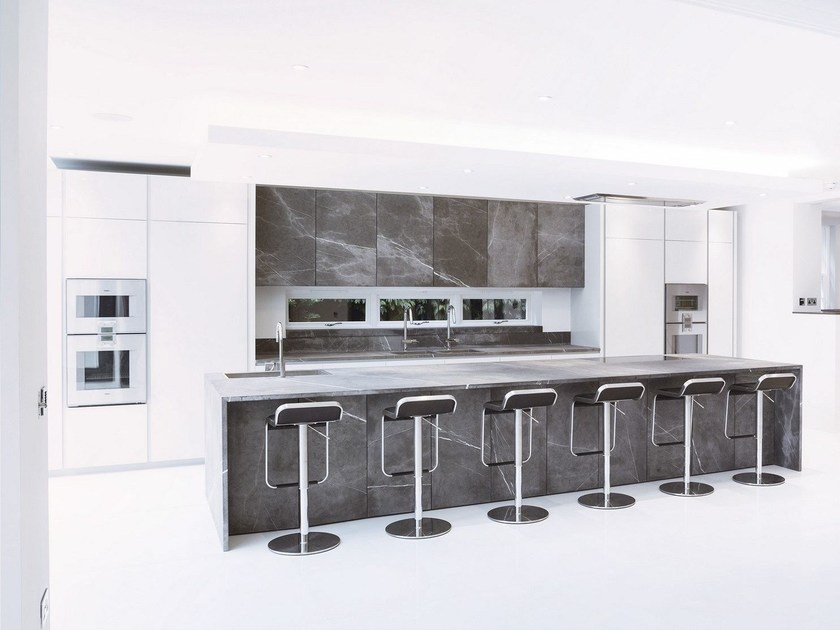 Kitchen with island without handles T45 | Natural stone kitchen - TM Italia Cucine