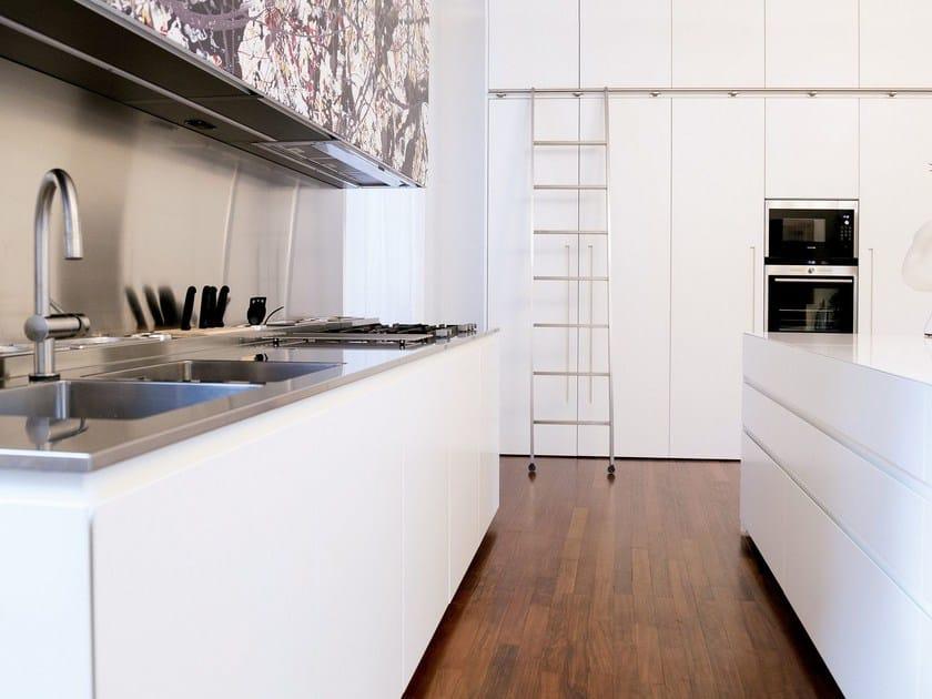 Kitchen with island T45   Lacquered kitchen - TM Italia Cucine