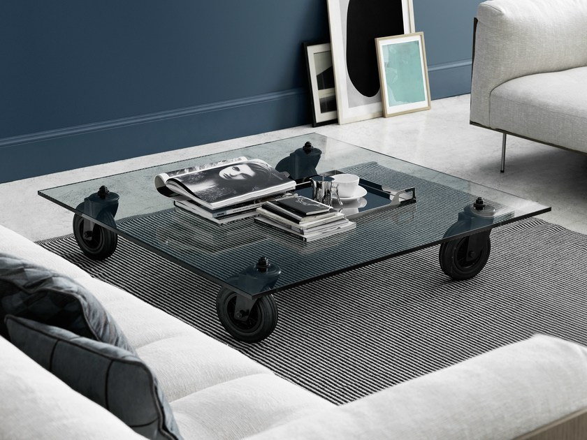 Square float glass coffee table with casters TAVOLO CON RUOTE - FontanaArte