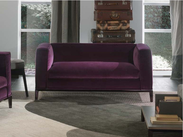 Taylor junior petit canap en tissu by frigerio poltrone e for Canape poltrone et sofa