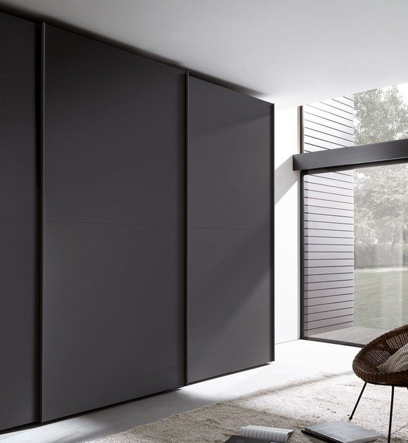 Lacquered wardrobe with sliding doors TECNO MATT | Wardrobe with sliding doors - MisuraEmme