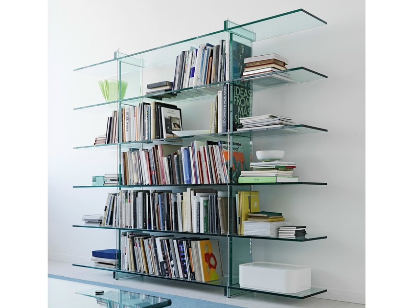 Float glass bookcase TESO | Bookcase by FontanaArte