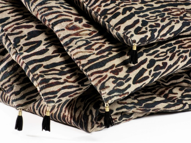 Animalier hand embroidered linen quilt TIGER - Élitis