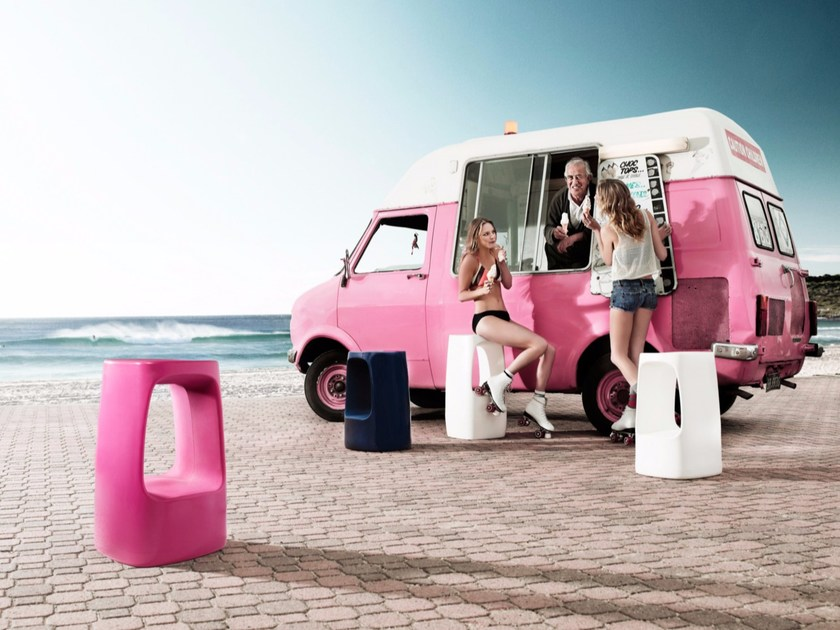 Polyethylene garden stool TIKI - Derlot Editions