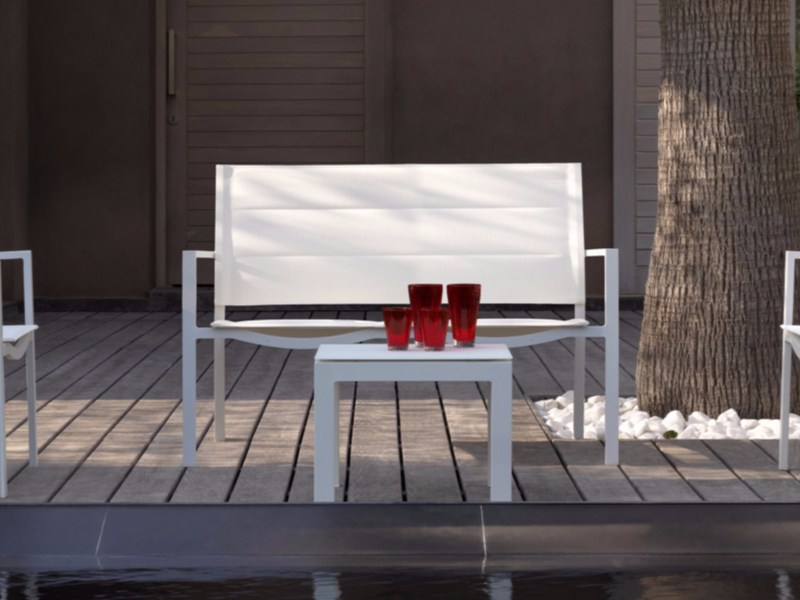 Textilene garden bench with armrests TOUCH | Garden bench by Talenti