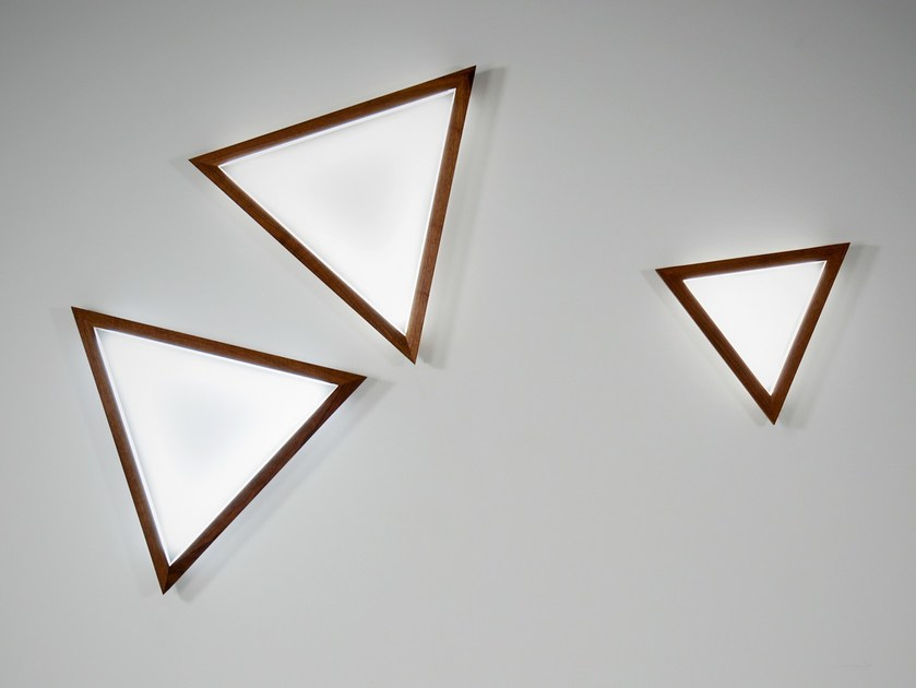 LED solid wood wall light TRIANGLE | Wall light - hollis+morris