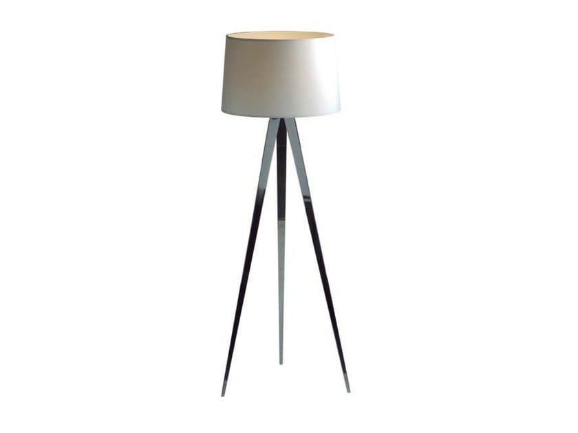 Metal floor lamp TRIPOD II - Aromas del Campo