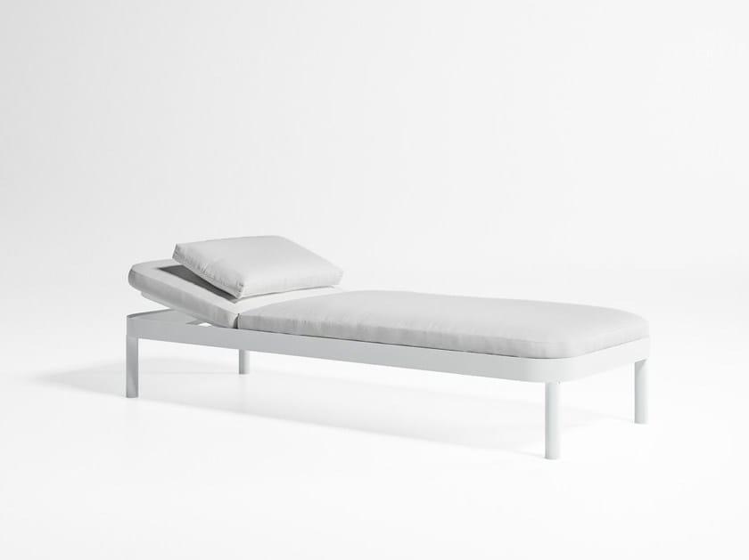 Tropez letto da giardino reclinabile by gandia blasco for Letto giardino