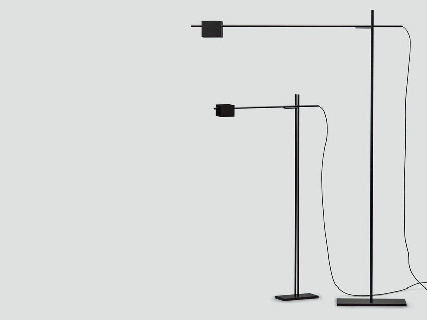 Adjustable metal floor lamp TURNOVER - da a