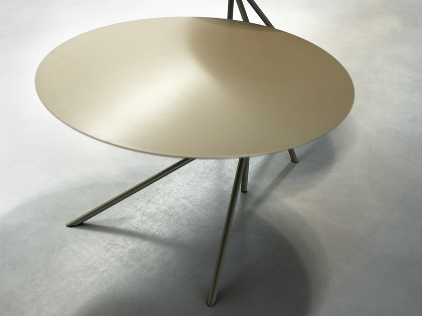 Design low round bistro side table TWIN B by meme design
