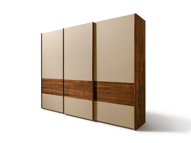 Solid wood wardrobe VALORE RELIEF   Wardrobe - TEAM 7 Natürlich Wohnen