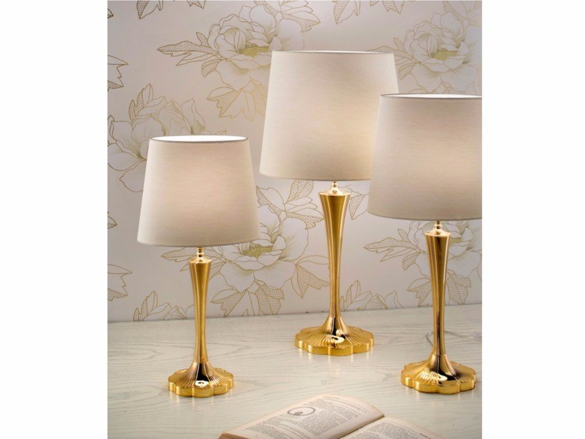 Direct light incandescent brass table lamp VE 1084 | Table lamp by Masiero