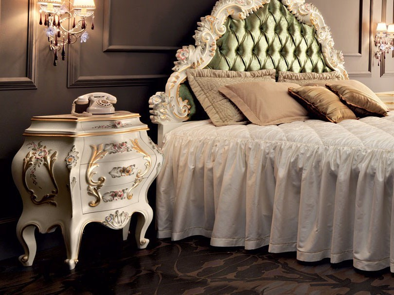 Bedside table with Venetian style carves and inlays - Villa Venezia Collection - Modenese Gastone