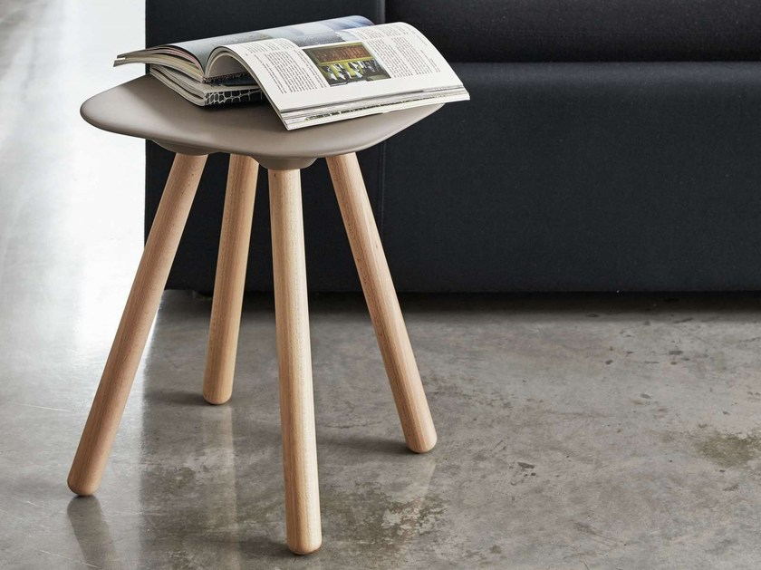 Low stool VIOOD NUDE LEGNO | Stool - Geelli by C.S.