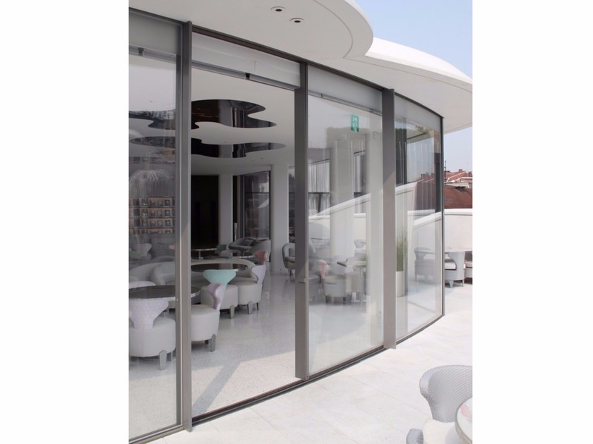 Curved aluminium sliding door VITROCSA TH+ Curved - Vitrocsa