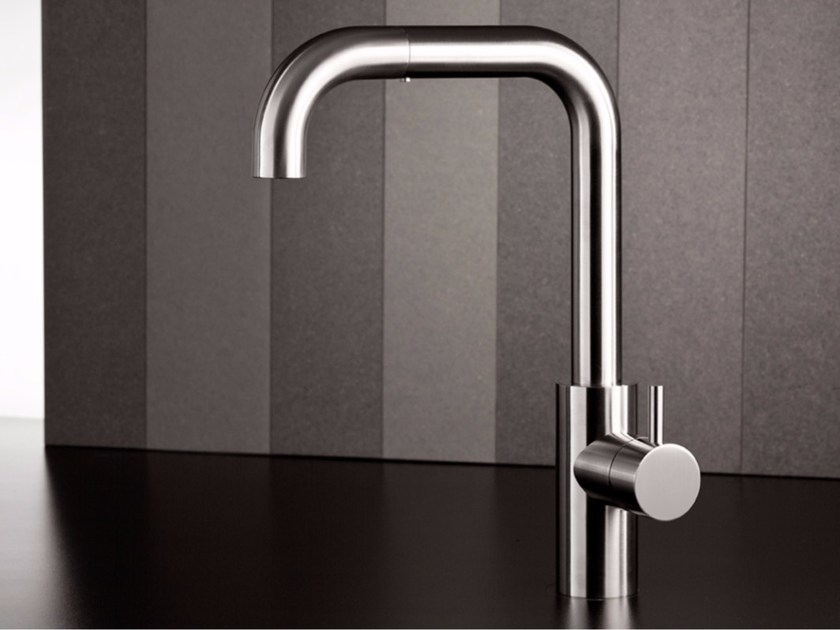 Kitchen mixer tap with pull out spray VODA - MINA