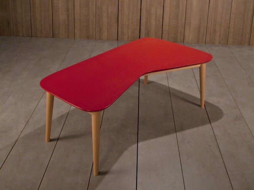 Lacquered coffee table VY | Lacquered coffee table by Kann Design
