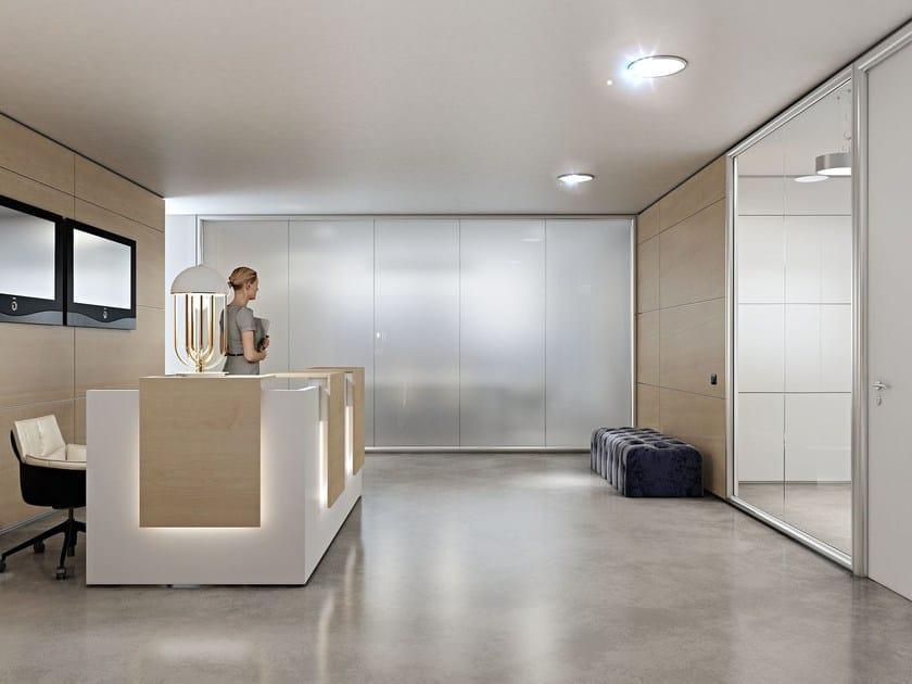 Parete mobile in alluminio e vetro per ufficio wall system for Mobile reception ufficio