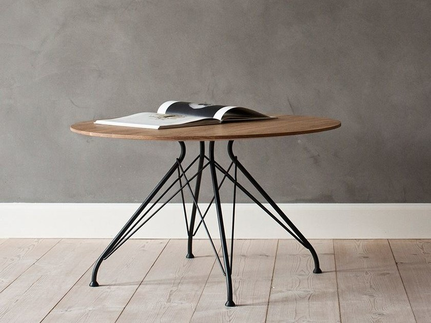 Wire coffee table by overgaard dyrman for Wire round coffee table