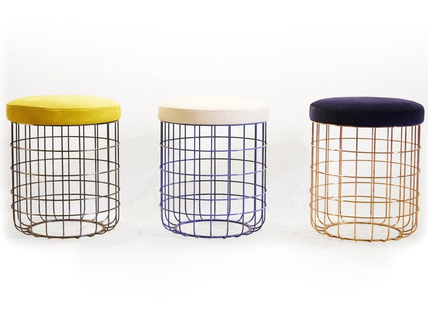 Powder coated steel stool WIRE | Low stool - Dare Studio