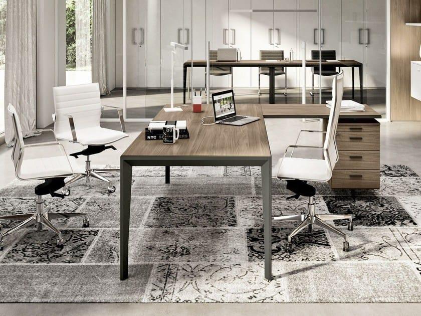 L-shaped wood-product executive desk with shelves X5 | Executive desk by Quadrifoglio