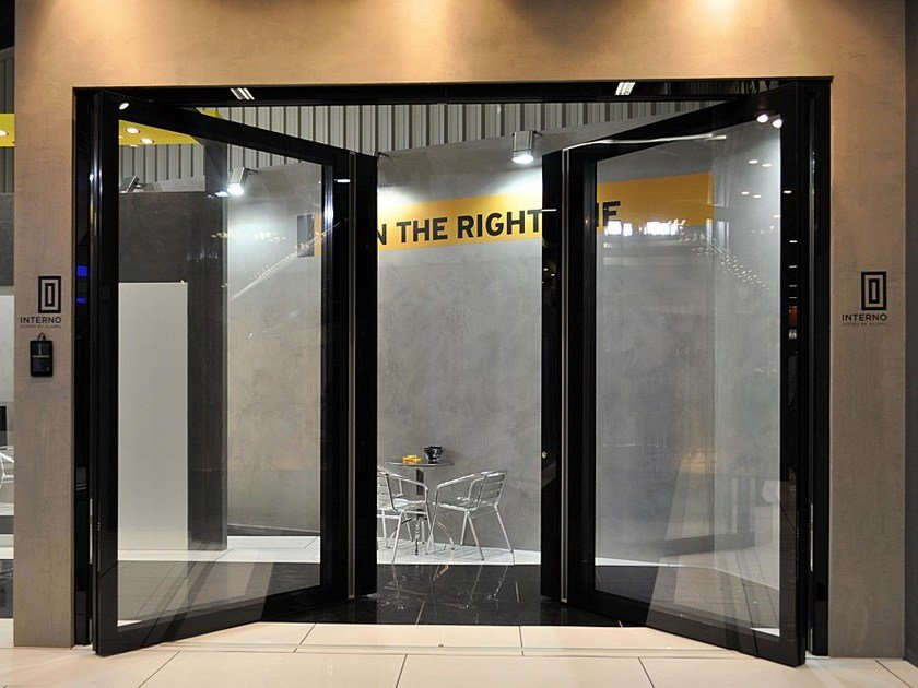 Glass and aluminium pivot entry door ZEN PIVOT STRUCTURAL - Interno Doors