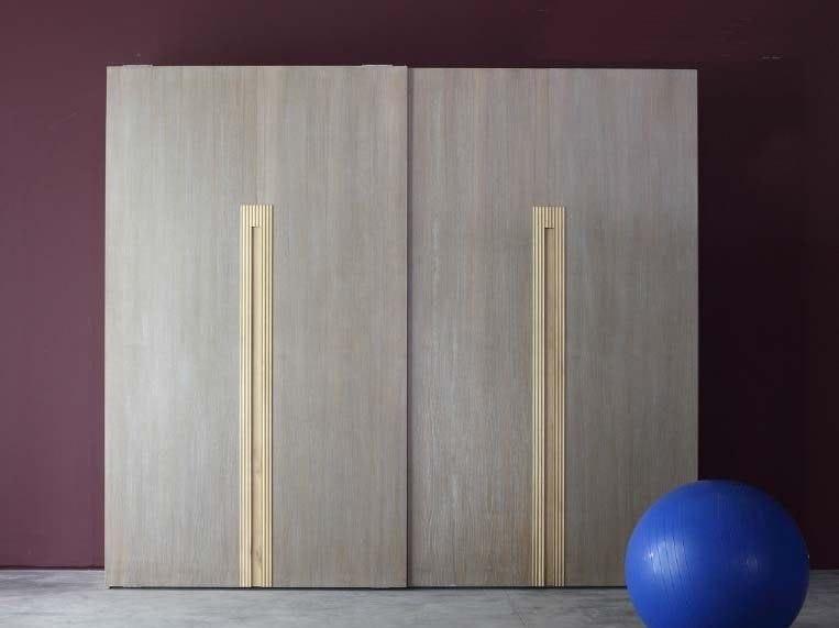 Solid wood wardrobe with sliding doors ZERO.16 | Solid wood wardrobe - Devina Nais