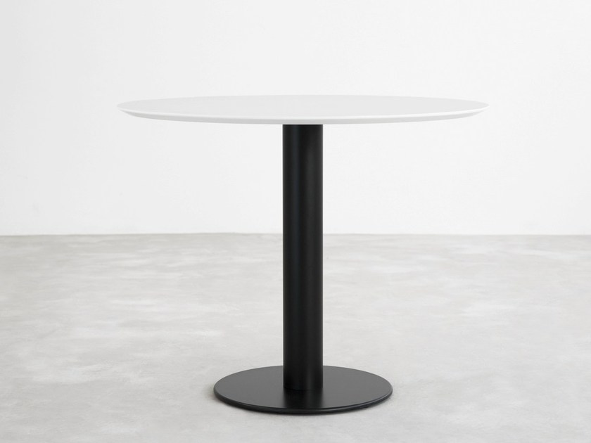 Lacquered round table ZERO | Lacquered table - STUA