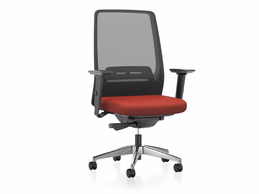 Mesh task chair with 5-Spoke base with armrests with casters AIM IS1 1S03 by Interstuhl