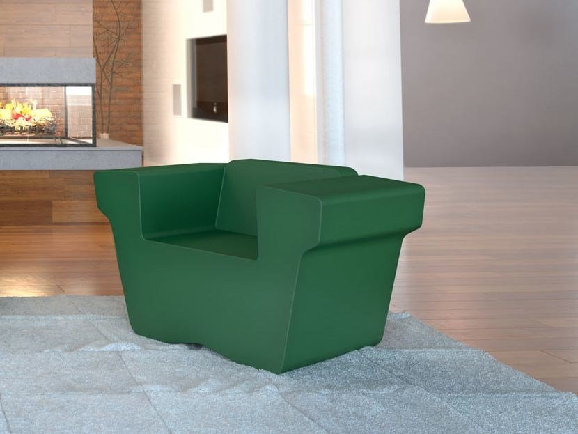 Coated foam armchair with armrests WINGCHESTER | Armchair - Stratta