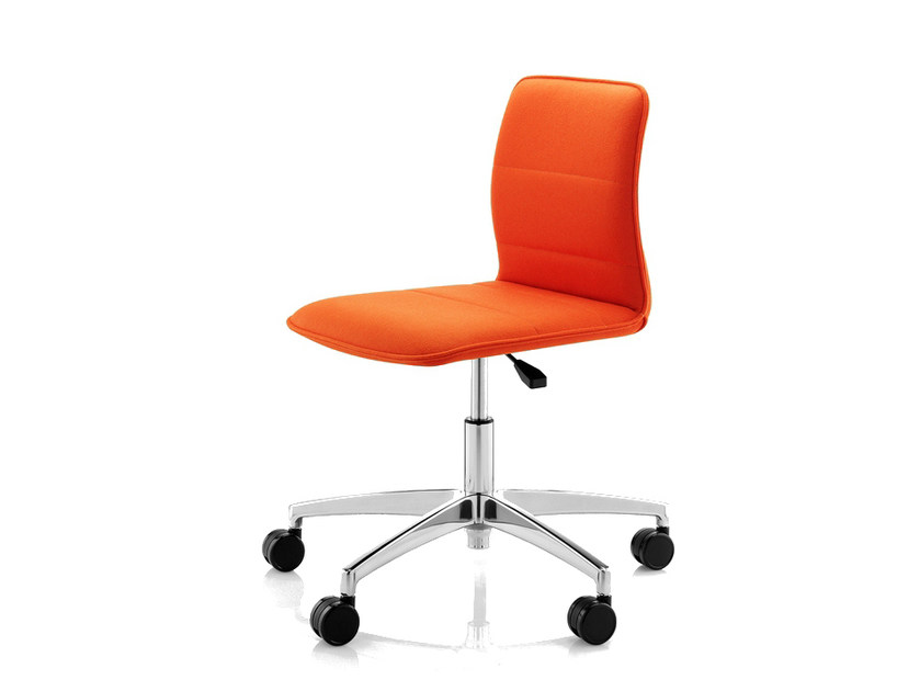 Height-adjustable task chair with 5-Spoke base with casters ARRAN | Task chair by Boss Design
