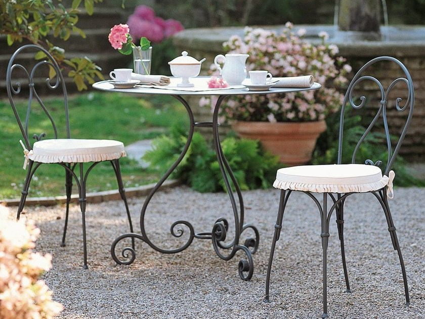 Iron garden table AURORA   Garden table by Unopiù