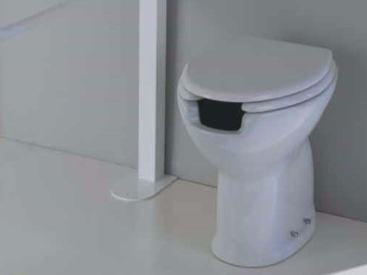 Toilet seat for disabled AUXILIUM by Olympia Ceramica